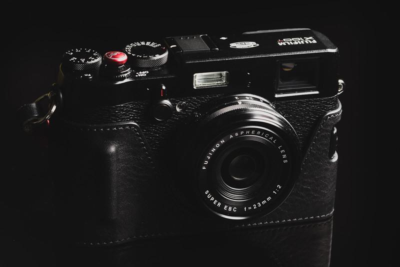 FujiFilm X100T Gariz Half-Case
